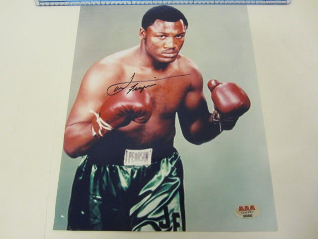 JOE FRAZIER Heavyweight Champion Signed Autographed 8x10 Photo Certified CoA