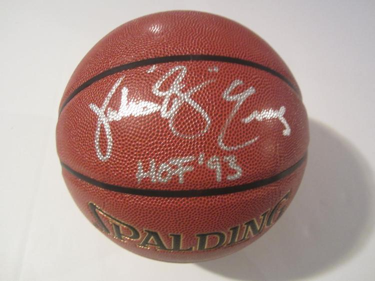 Julius Erving Philadelphia 76ers signed autographed Basketball Certified Coa