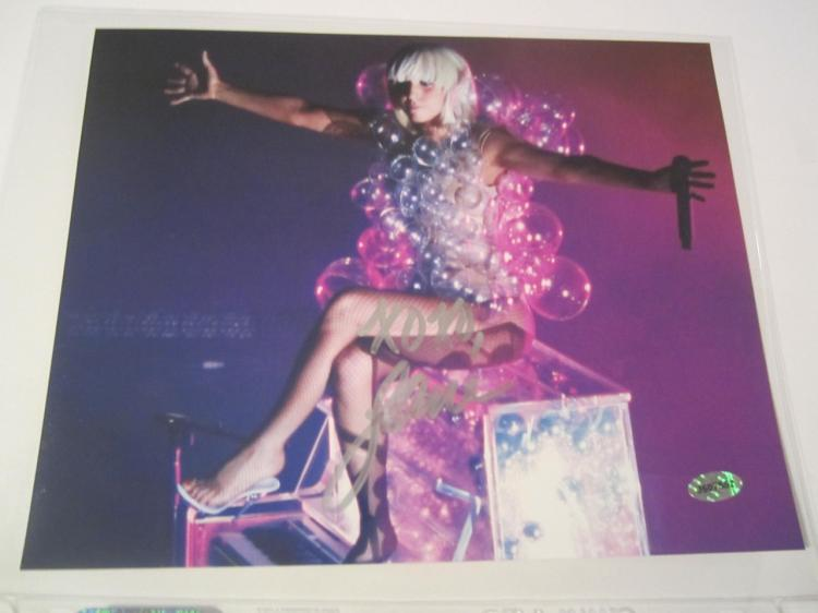 lady gaga autograph - photo #40