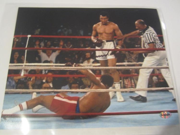 Muhammad Ali Hand Signed Autographed 8x10 Photo COA