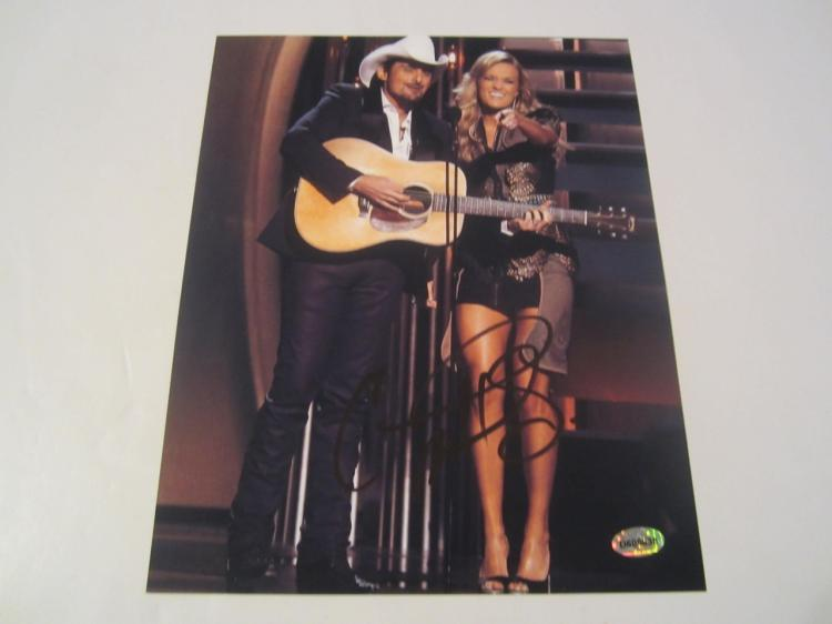 Carrie Underwood Hand Signed Autographed 8x10 Photo COA