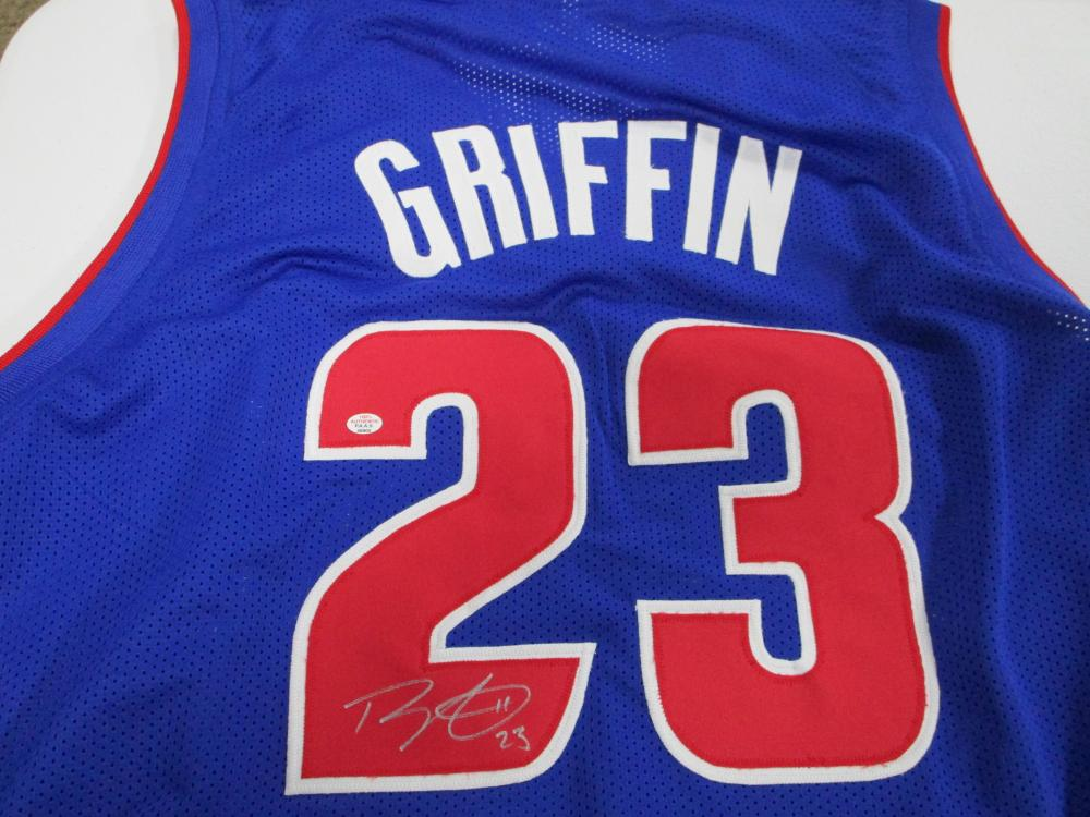 the best attitude a1543 04adb Blake Griffin of the Detroit Pistons signed autographed blue ...