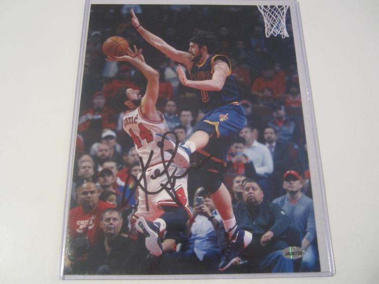 Kevin Love Cleveland Cavaliers Hand Signed autographed 8x10 AI COA