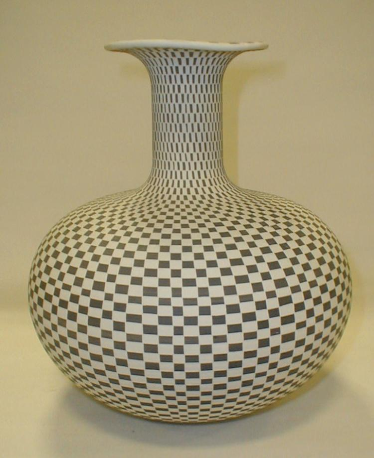 Leslie Thompson And Kent Anderson Pottery Vase Carved With