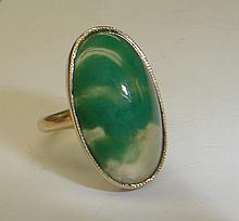 Ladies 14k yellow gold ring with green agate. Size 3 1/4. Total weight 3.7 grams