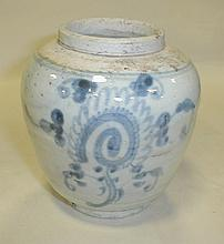 Early Qing Chinese blue & white porcelain ginger jar. Painted with bamboo theme. 5 5/8