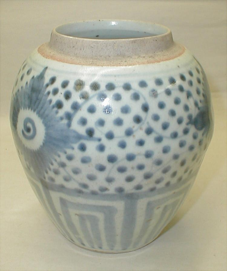 Chinese Blue & white ginger jar with dots and peony pattern. 6 3/8