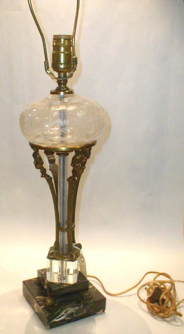 Vintage Neoclassical style table lamp on double marble base with four splayed figural stretchers, and etched glass. Art Modern