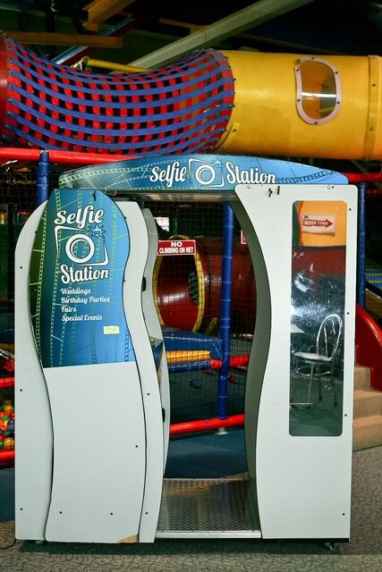 Selfie Station Photo Machine