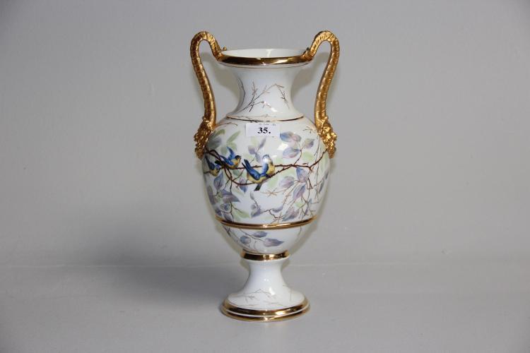Gammel hankevase, Vildmandsvasen, B&G, ca. år 1890# Dekoreret med fugle og
