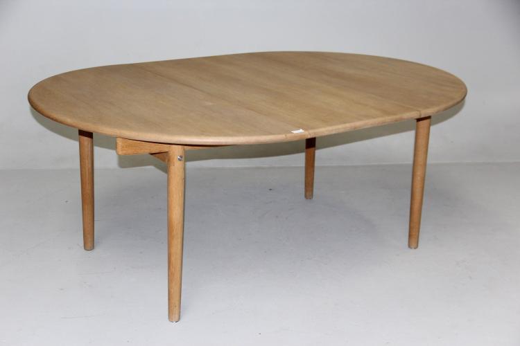Hans J. Wegner Rundt spisebord med udtræk, model PP-70, eget