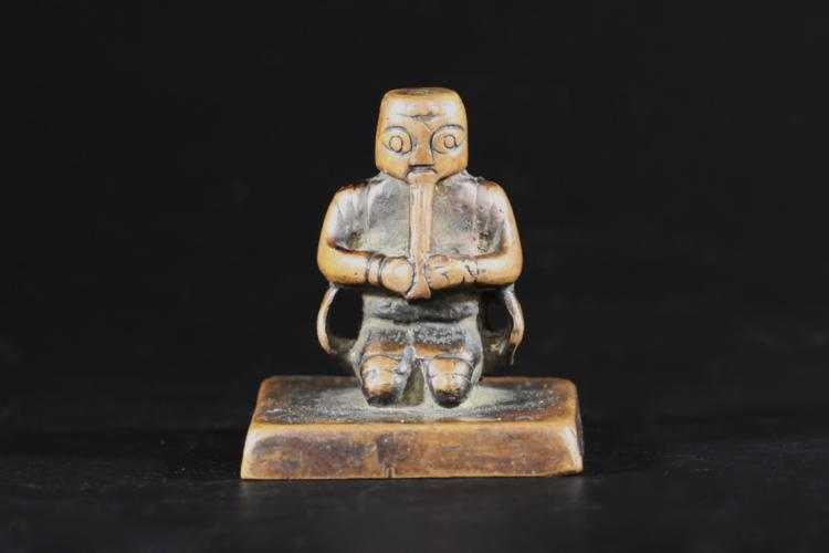 A Bronze Seal with Deputy Commissioner Statue - Liao Jin Dynasty
