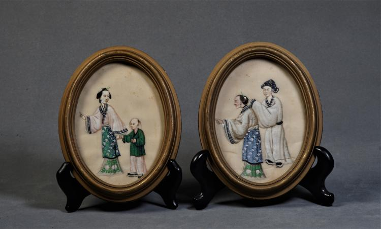 A Pair of Plates with Pattern - Late Qing Dynasty
