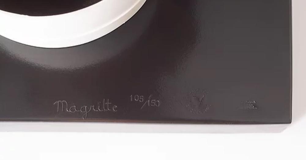 René Magritte - Un peu de l'âme des bandits (1960)