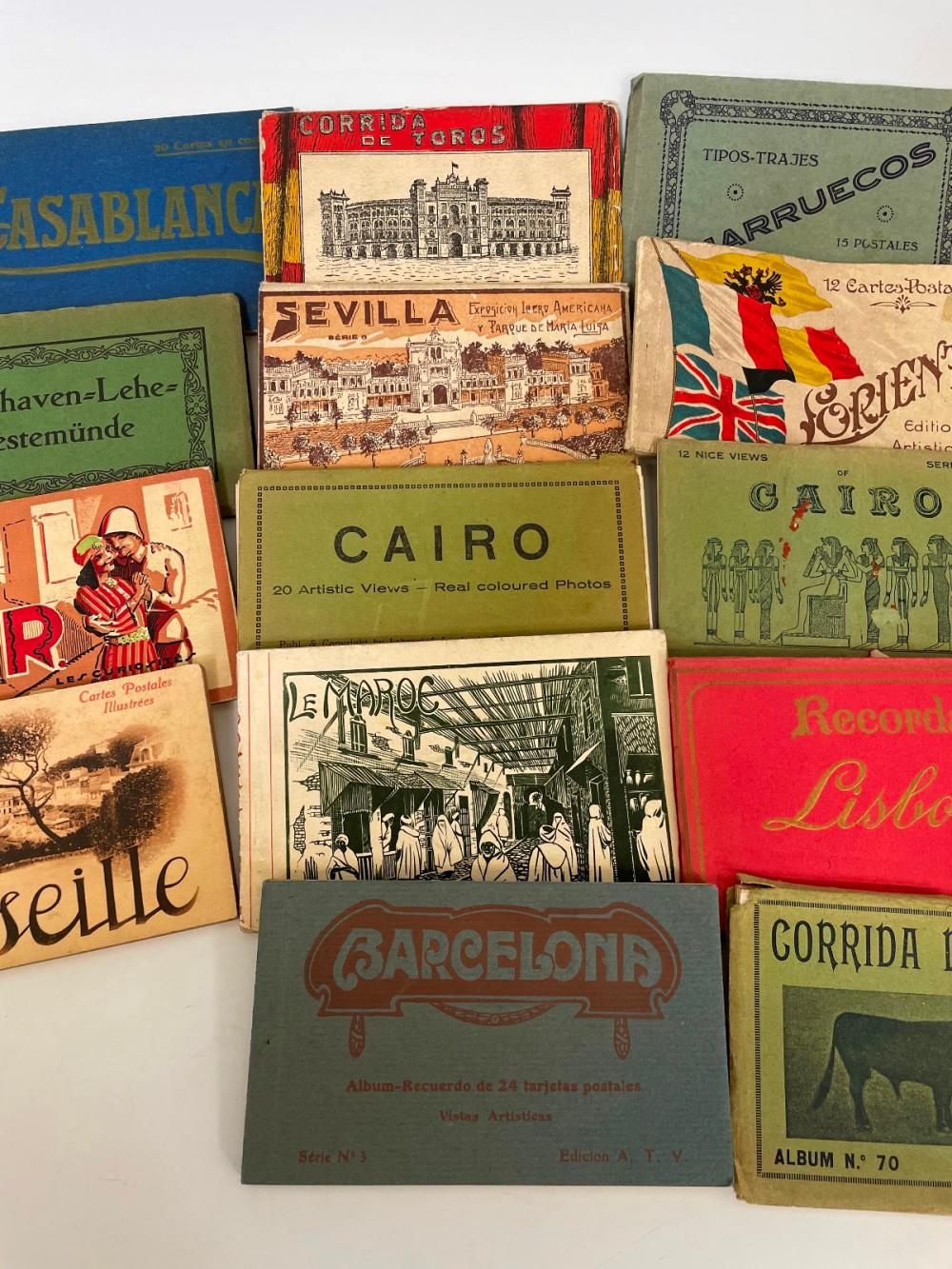 (17) Early Foreign Postcard Booklets