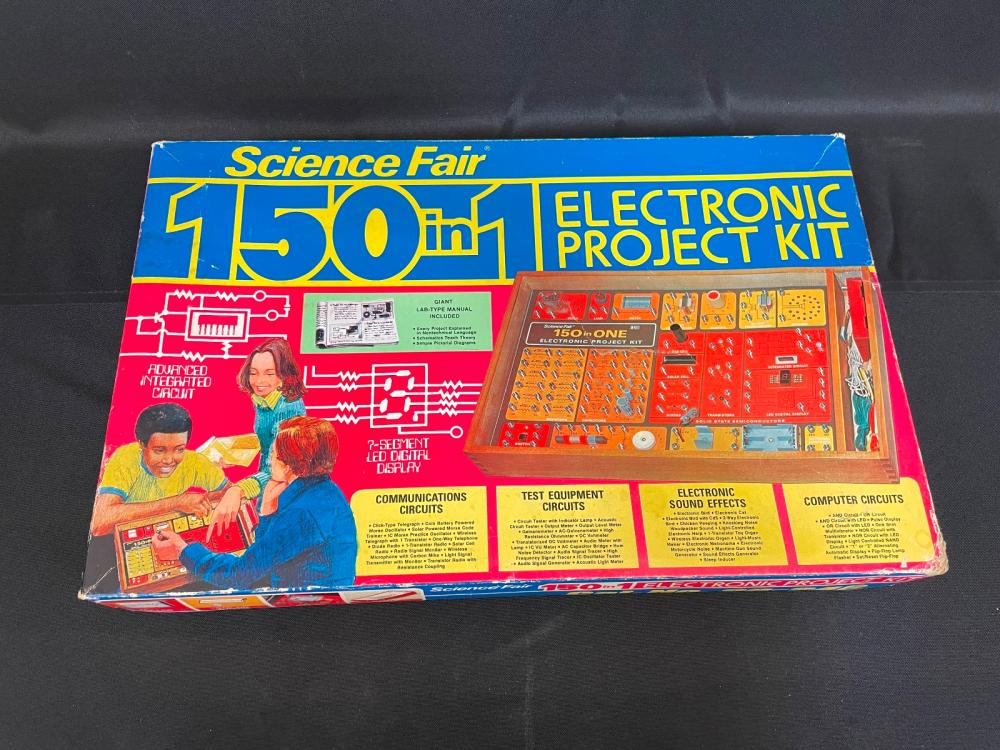 Science Fair 150 in 1 Electronic Project Kit Radio Shack