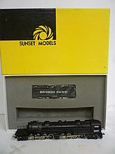 LOCOMOTIVE: SUNSET MODELS HO SOUTHERN PACIFIC CAB FORWARD, FACTORY PAINTED, AC-12, NEW IN BOX