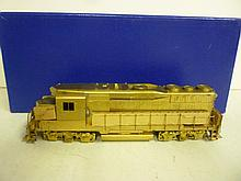 LOCOMOTIVE: ALCO MODELS GP-30 LOW HOOD, IN BOX LOCOMOTIVE: ALCO MODELS GP-30 LOW HOOD, IN BOX
