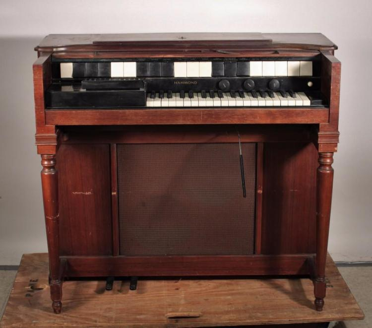 Vintage hammond organ for Classic house organ sound