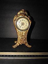 GOLD METAL CASED DESK CLOCK 7