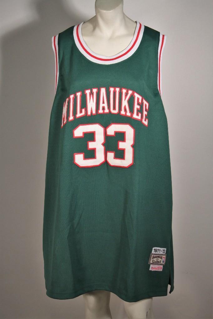 sale retailer ece0d e07f4 Kareem Abdul Jabbar Mitchell & Ness Milwaukee Bucks Hardwood