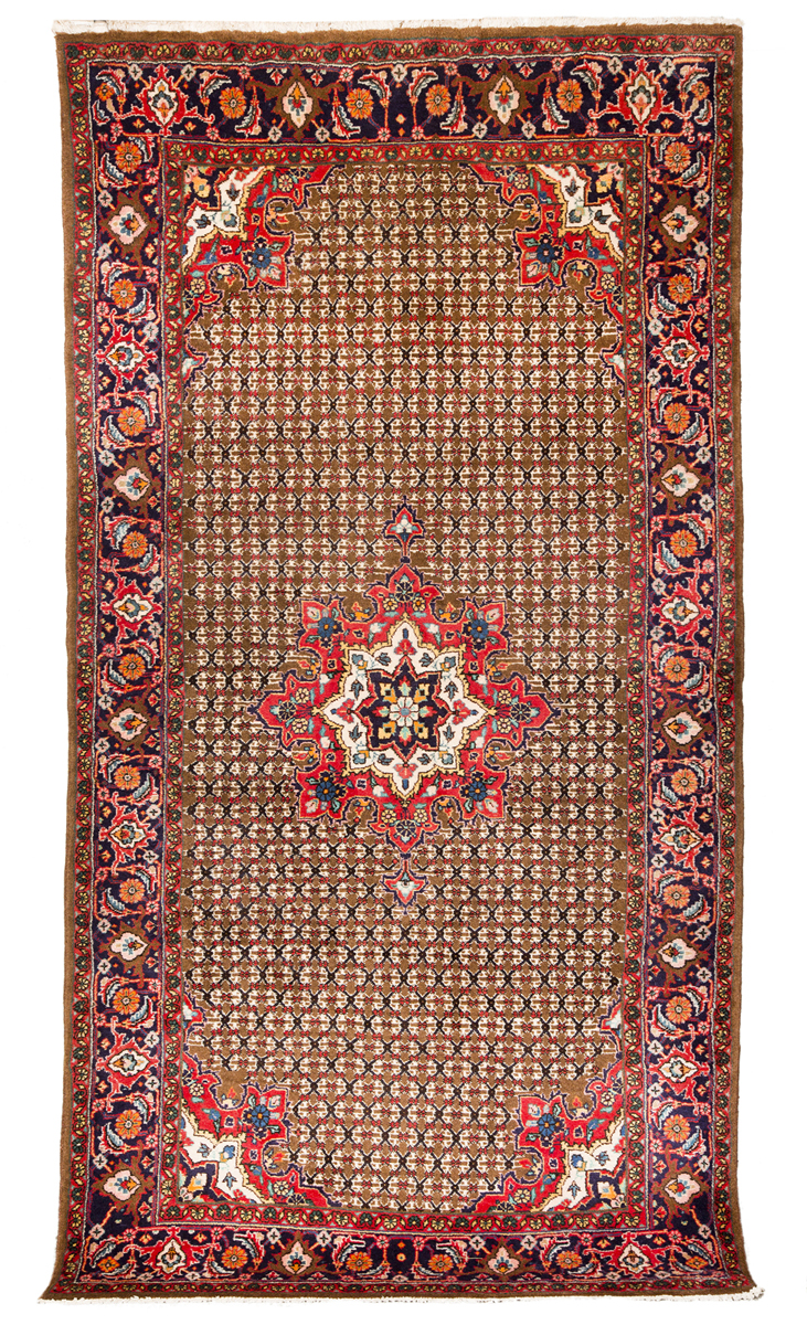 Kurd hamadan small room size oriental rug for Small room rugs