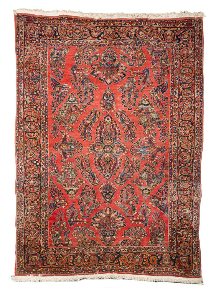 Red sarouk small room size oriental rug for Small room rugs