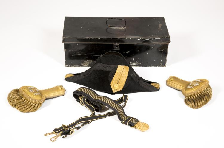 U.S. Navy Officer's Box Containing Bicorn (Fore & Aft) Hat And Gold Bullion Epaulets