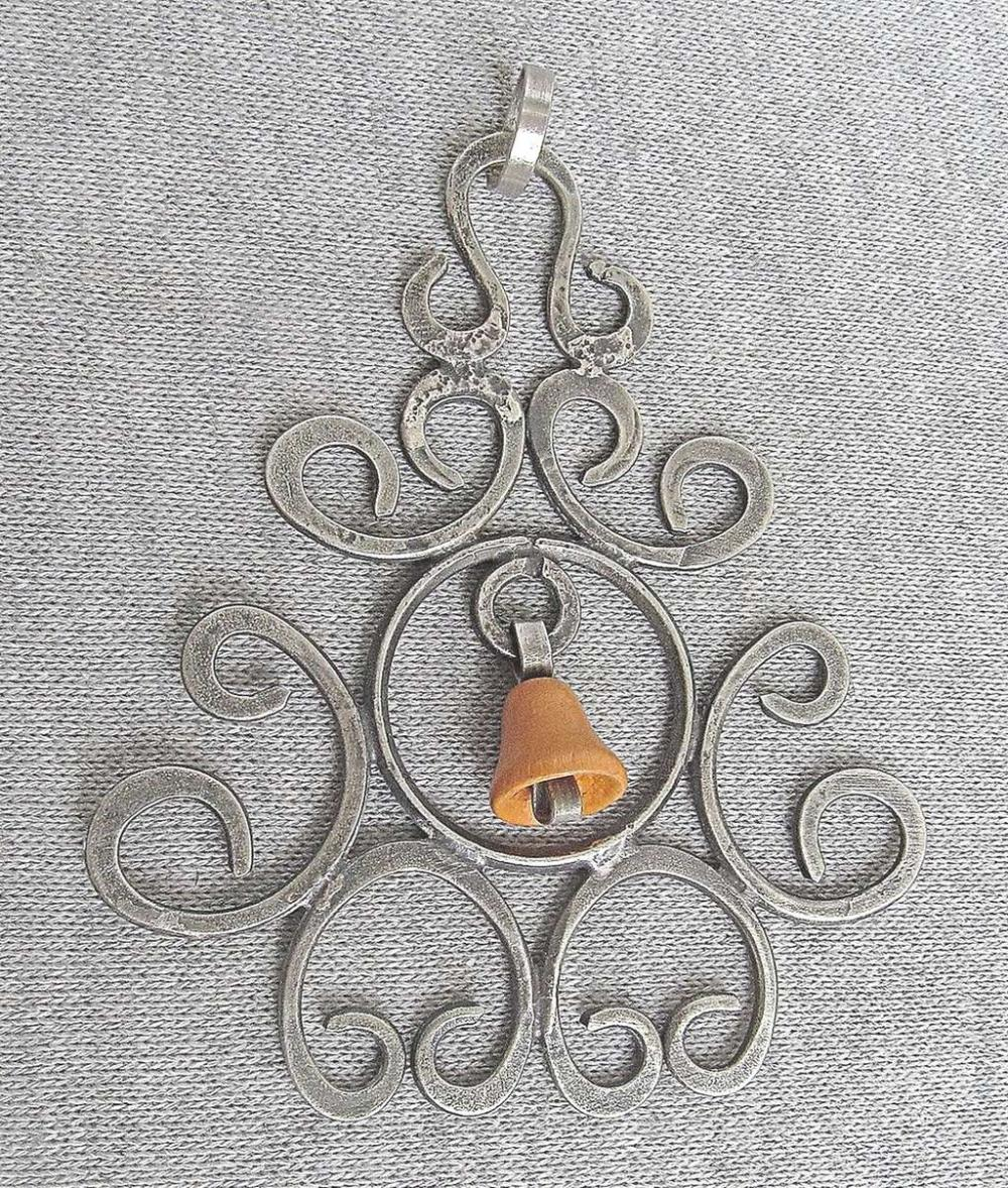 Vintage silver sterling 925 large pendant with shaped bell wood charm, 14 gr.