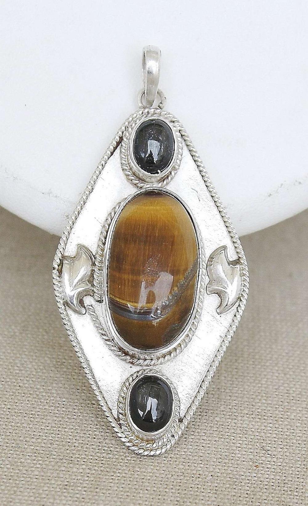 Vintage filigree silver sterling 925 large pendant set with tiger's eye and cat's eye, 18gr.