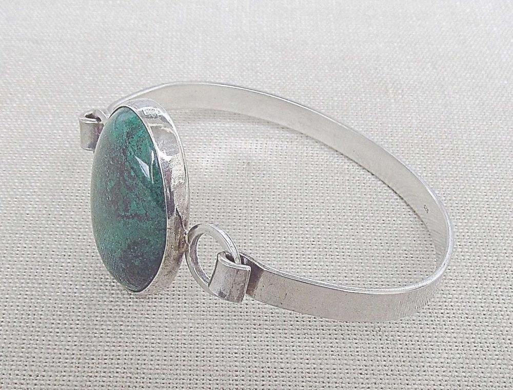 Vintage silver sterling 925 bangle bracelet set with Eilat stone, 22gr.