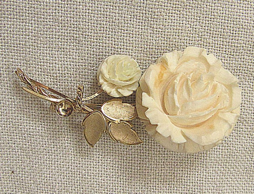 CULTRA vintage carved Rose 14kt GF Brooch, signed