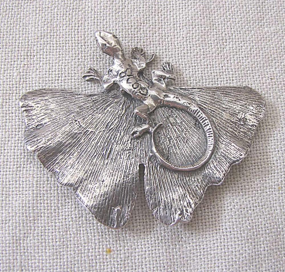 ILANA GOOR, Israeli artist, b. 1936, lizard-shaped brooch, signed