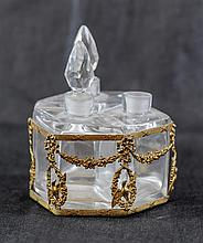 An old perfume bottles stand. : ???? ??? ??????? ????