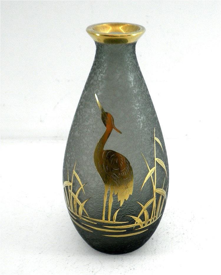 glass vase art deco. Black Bedroom Furniture Sets. Home Design Ideas