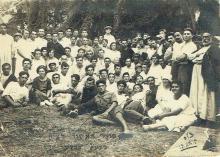 Rishon LeZion, antique group photo of grape harvest laborers, signed
