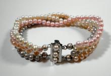 A pearls bracelet