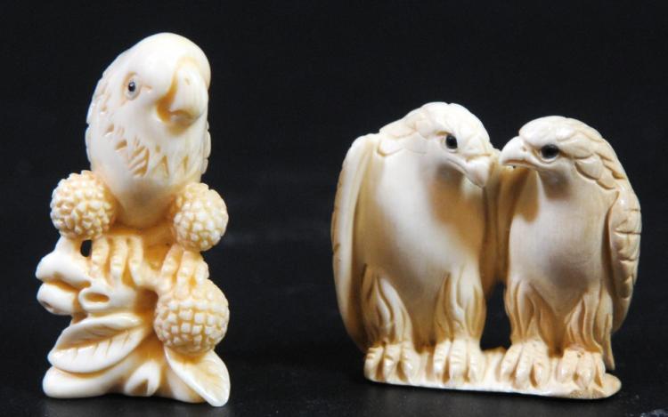 Lot of 2 ivory netsuke, prey birds