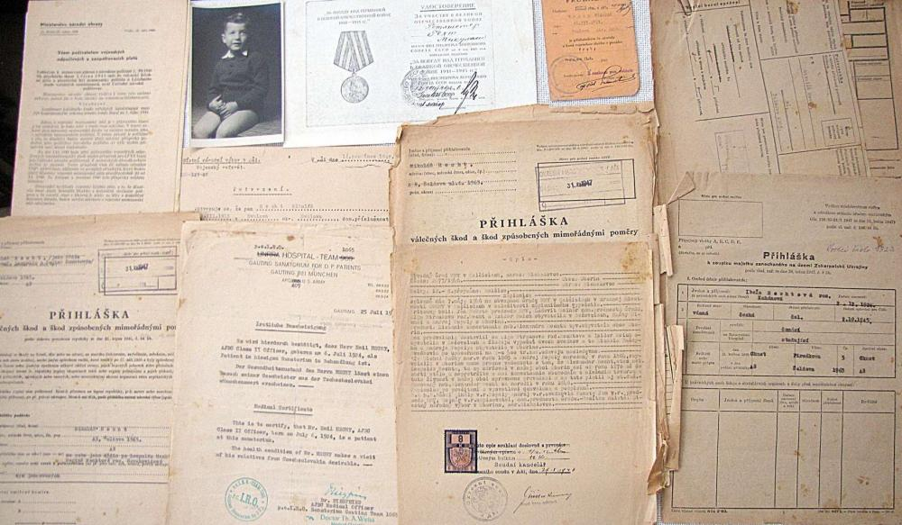 LARGE ARCHIVE OF A CZECH JEW SURVIVED IN HOLOCAUST MIKULAS HECHT AND HIS FAMILY, 1ST HALF OF 20TH CEN.