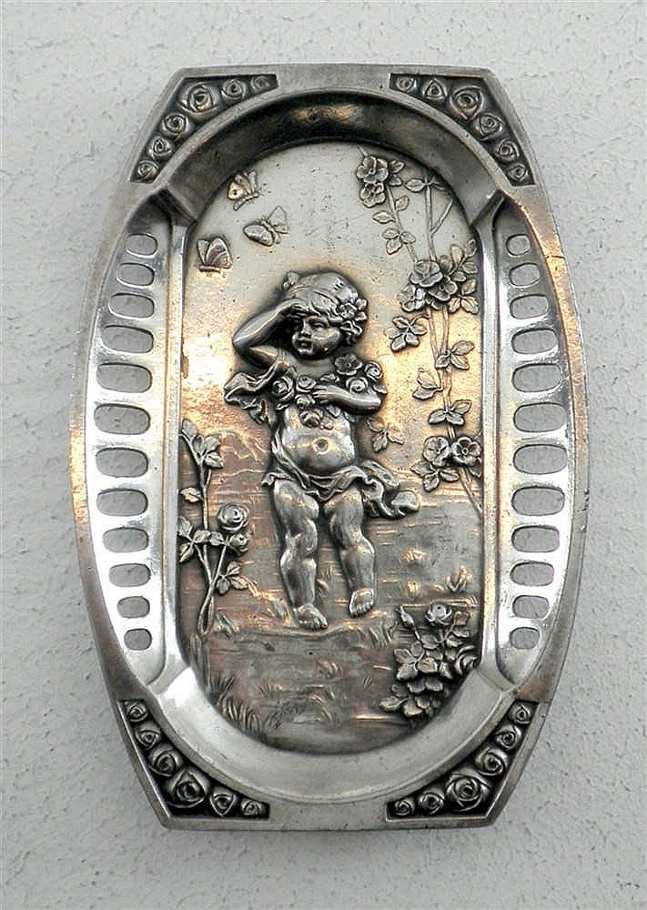 Small art nouveau decoration made by wmf for Art nouveau decoration