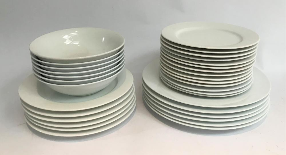 A Maxwell & Williams Dinner Service for Six