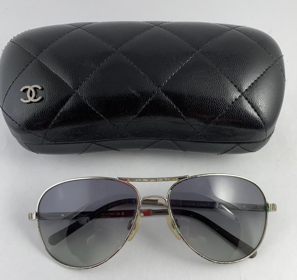 Chanel, Paris: Silvertone Framed Cc Swarovski Crystals Aviator Style 4121b Sunglasses