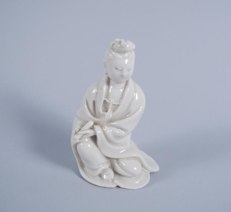 Chinese Dehua Seated Quan Yin 18th Cent. Porcelain