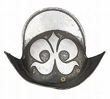 GERMAN 'BLACK AND WHITE' COMB MORION, EARLY 17TH CENTURY