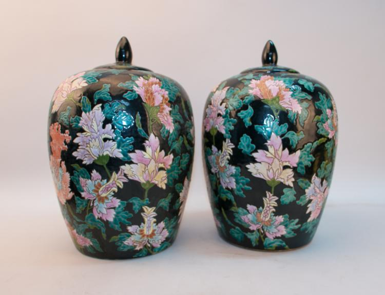 A pair of chinese 18 century famille rose jar