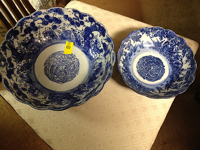 2 Chinese Export Bowls