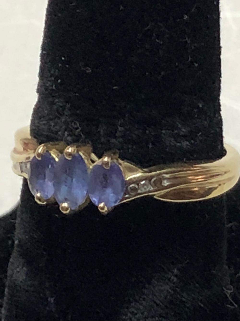 10kt Gold Ladies Ring