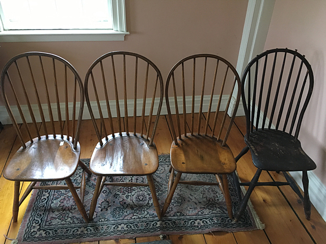 4 Early New England Windsor Bow Back Chairs