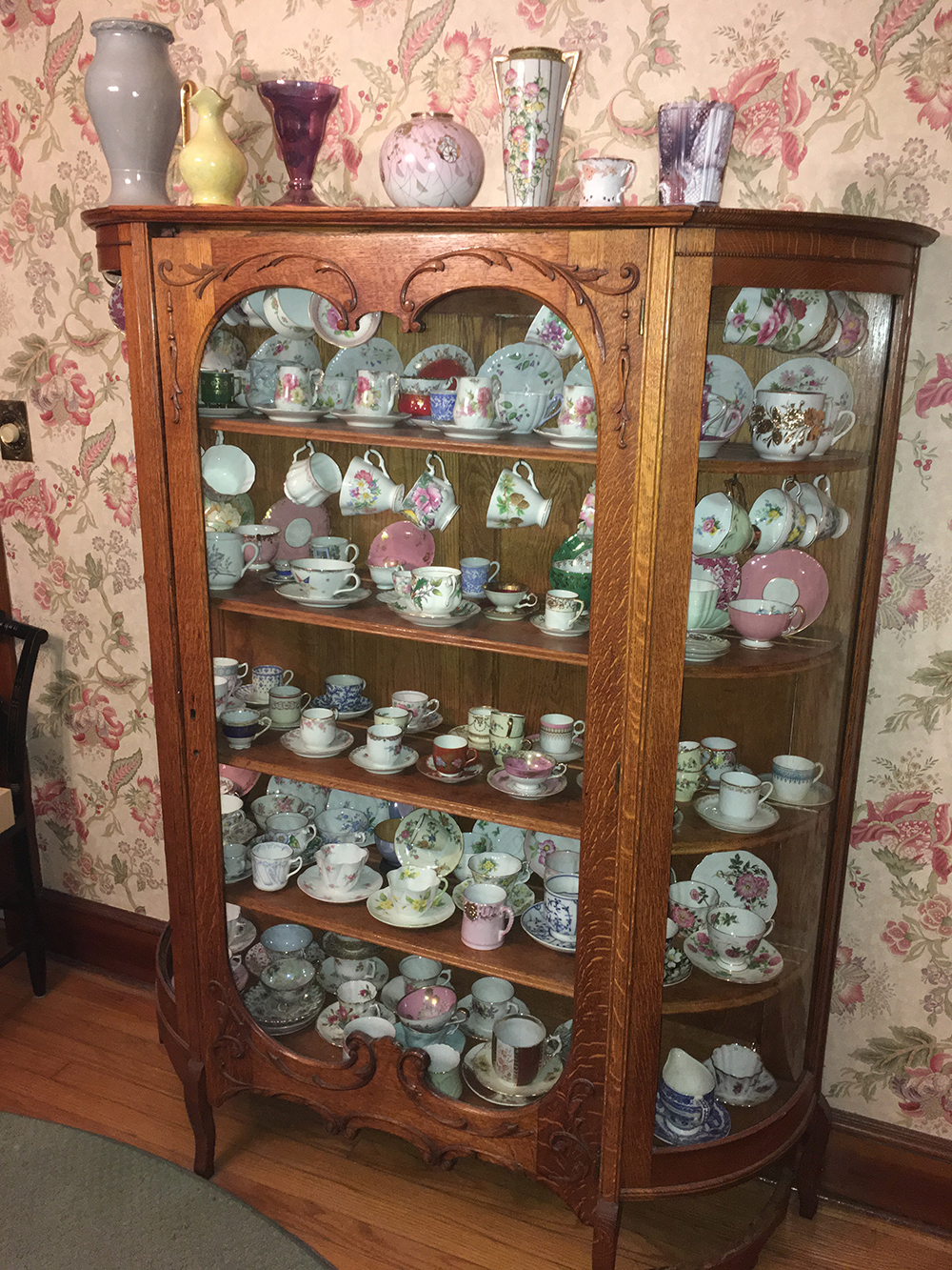 China Cabinet and Contents