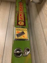 Lot 19: 1 Cent Candy Dispenser